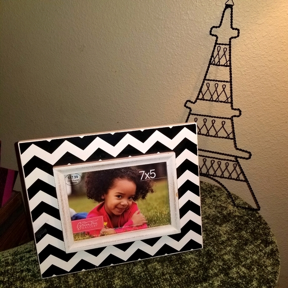 Bundle picture frame and jewelry holder